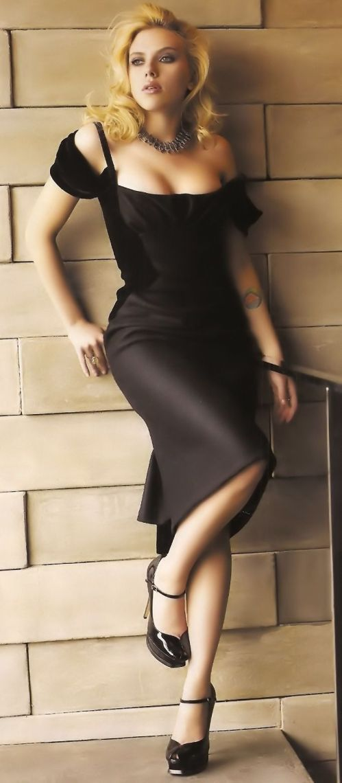 Scarlett Johansson, Dress, Legs, High Hills, Shoes, Woman, Model, Celebrity, Actress, Hollywood