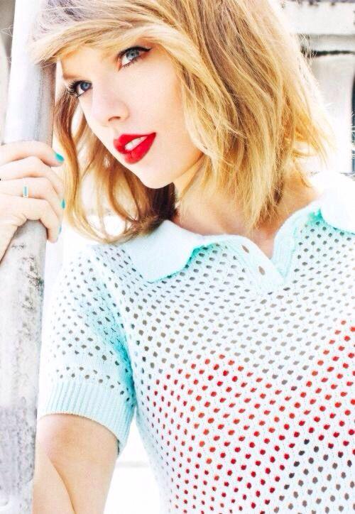 Taylor Swift, red lips, red lipstick, sexy, actress, model, top model, hollywood, fashion, make up, Dresslikeabitch.com, dress like a bitch
