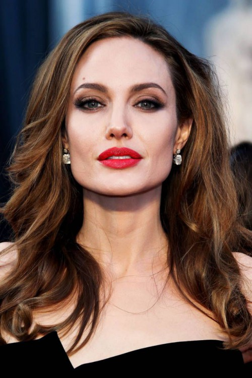 Angelina Jolie, red lips, red lipstick, sexy, actress, model, top model, hollywood, fashion, make up, Dresslikeabitch.com, dress like a bitch