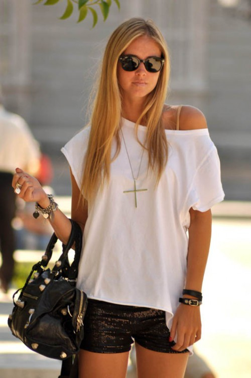Isabelle Chiara Ferragni, blogger, White T-shirt, tshirt, tee shirt, actress, model, singer, hot, celebrity
