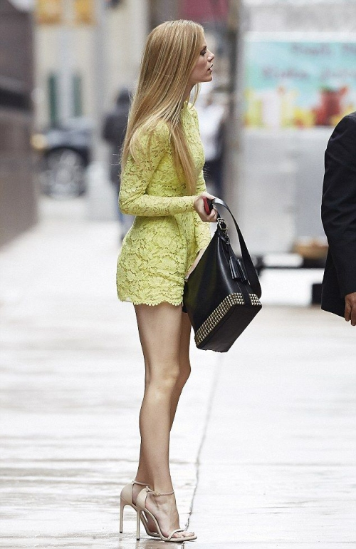 Brooklyn Decker, Stuart Weitzman, Dress, Legs, High Hills, Shoes, Woman, Model, Celebrity, Actress, Hollywood